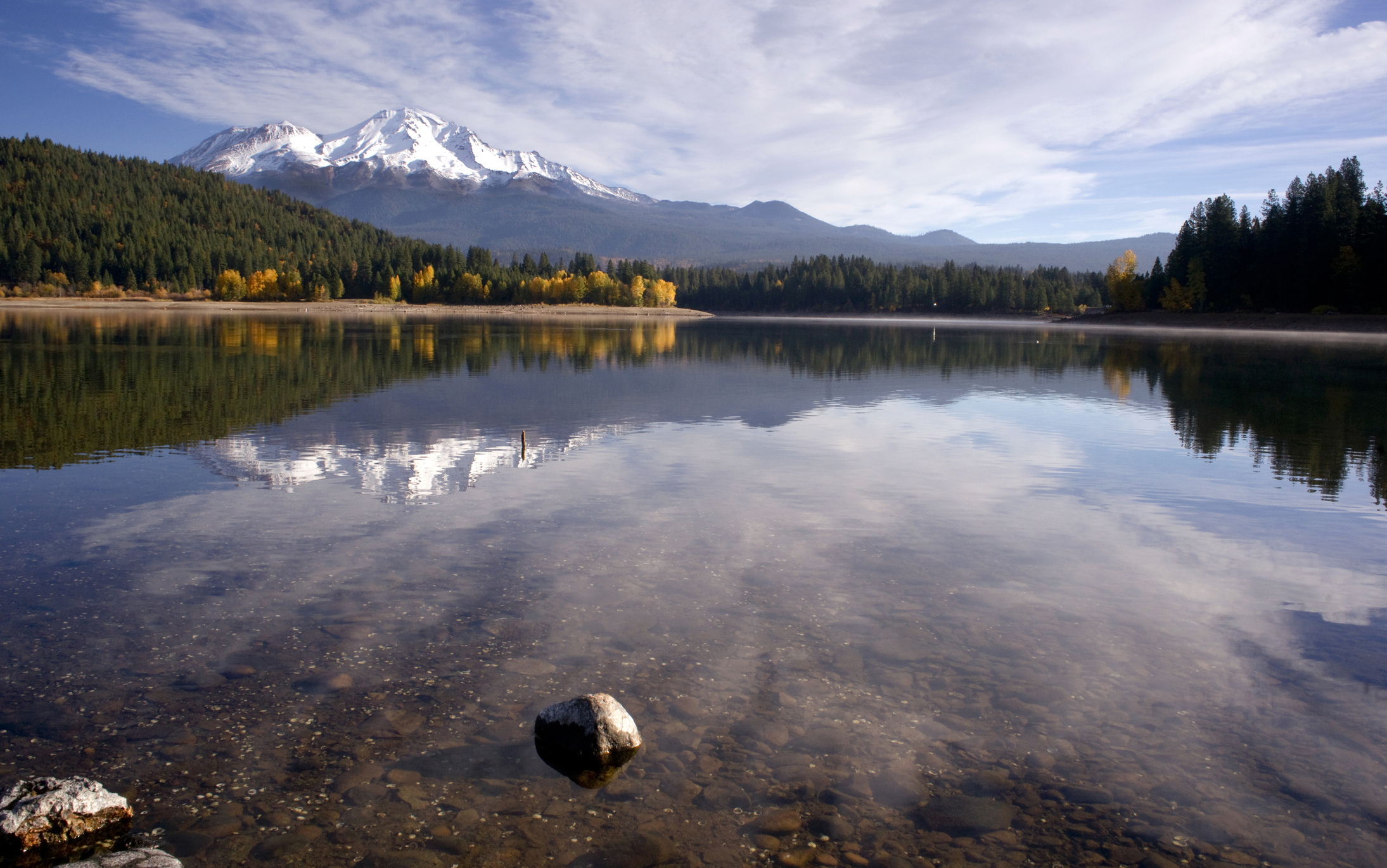 Mt Shasta Mountain Lake Clear Water Fall Color